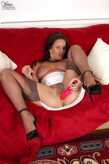 Marlyn Masturbating In Girdle and Seamed Nylon Stockings Sex