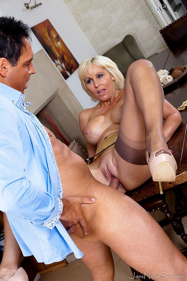 Jan Burton – Horny Blonde MILF Fucked In Her Seamed Nylon Stockings, Suspenders And Heels