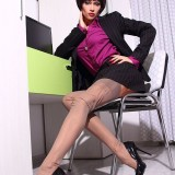 Lily Wow – Leggy Secretary Masturbates In Fully-Fashioned Nylon Stockings and Heels